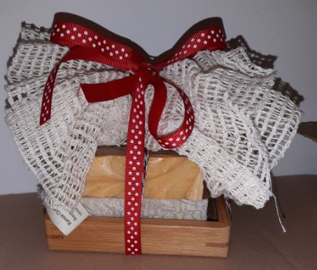 Mad About Nature Pamper Gift Set soap rack, ramie puff